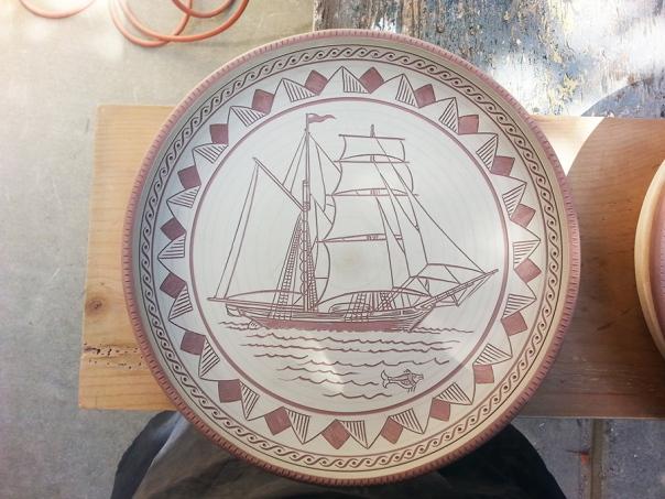 Aric-pottery-LG-Sgraffito-1